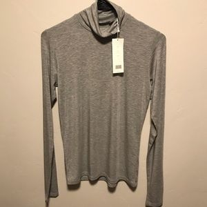 🌻NWT Vince. Essential Heather Gray Turtleneck